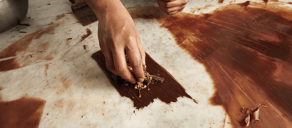 Somos una escuela de pastelería y repostería en Barcelona que ofrece cursos de pasteleria profesional. Llámanos ahora o deja tu solicitud en el sitio web!