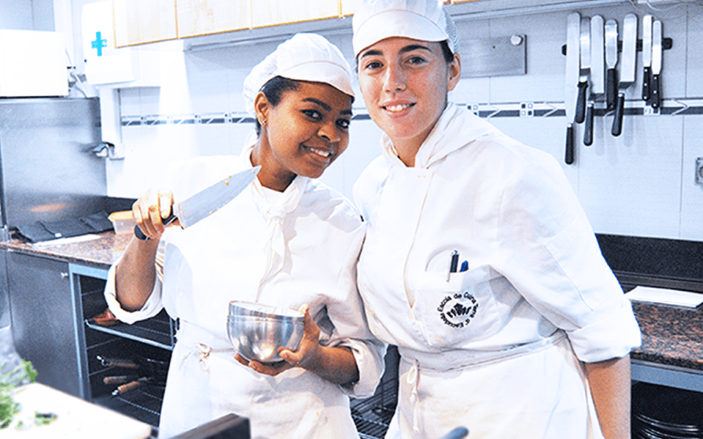 Alumnos de los Cursos de Cocina y Pasteleria