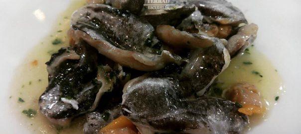 Receta de kokotxas de merluza con berberechos