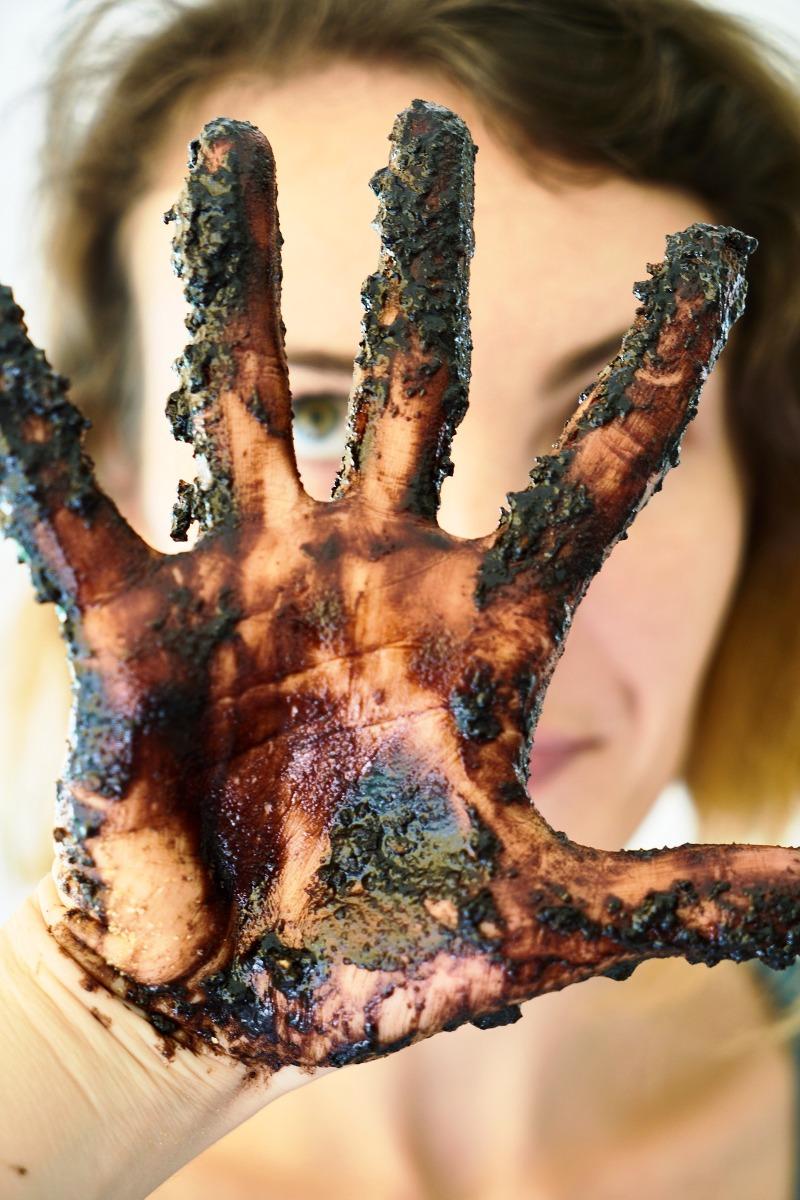 Lavarse las manos al manipular alimentos