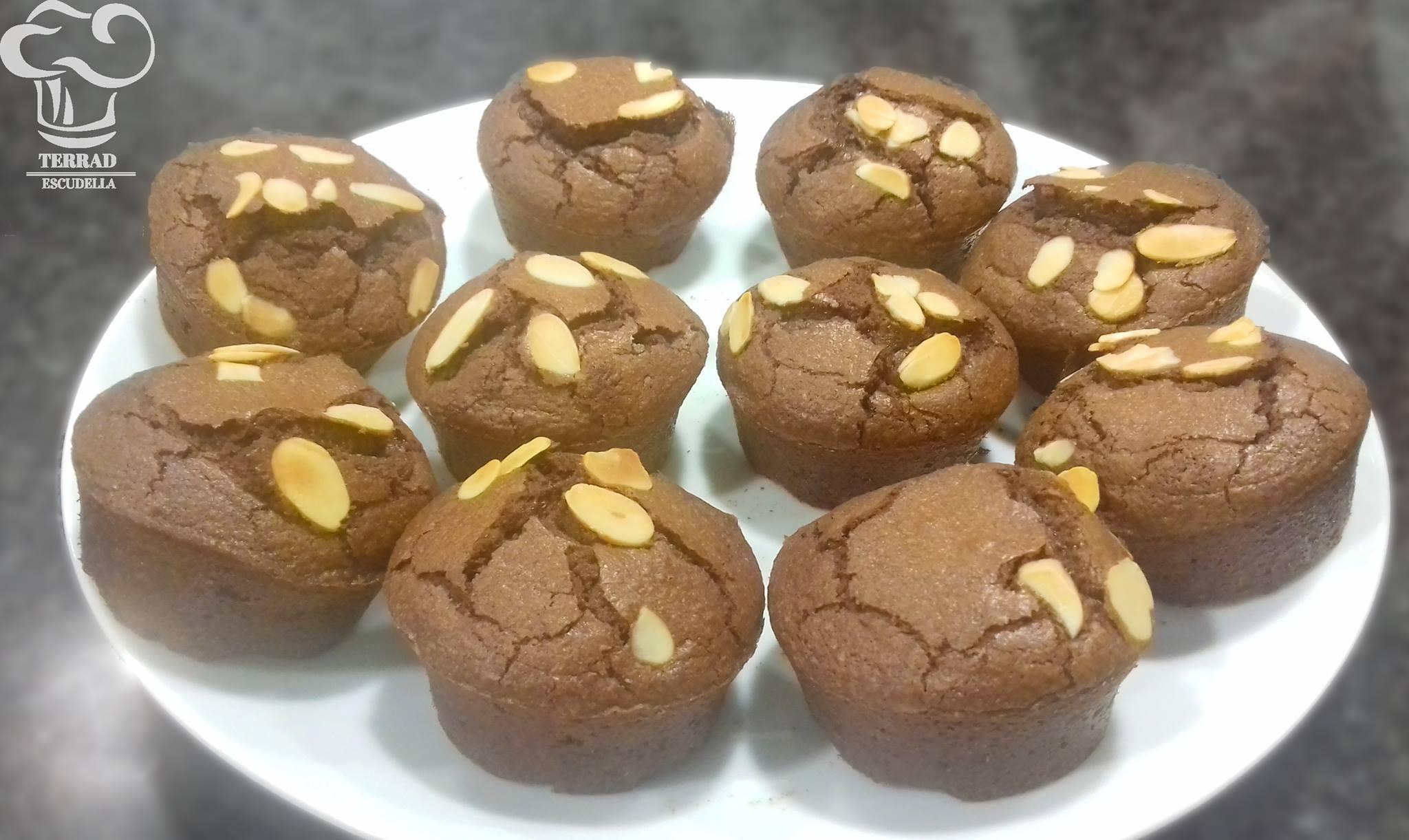 Madalenas rellenas de chocolate