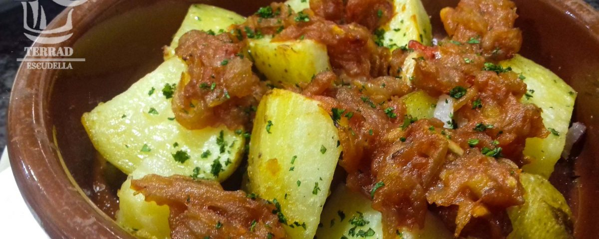 Receta de patatas con salsa ranchera